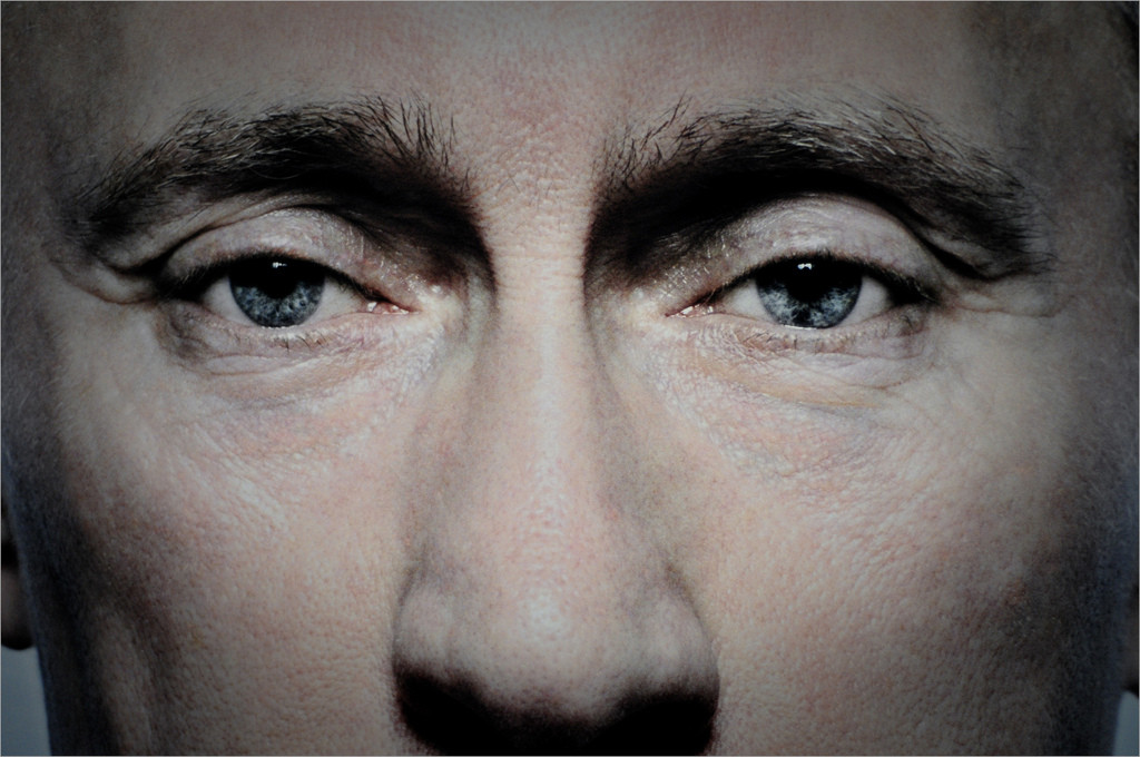 Wladimir Putins engster Zirkel ist ein zentrales Thema der Panama Papers. By Firdaus Omar licensed under CC BY-NC-ND 2.0.