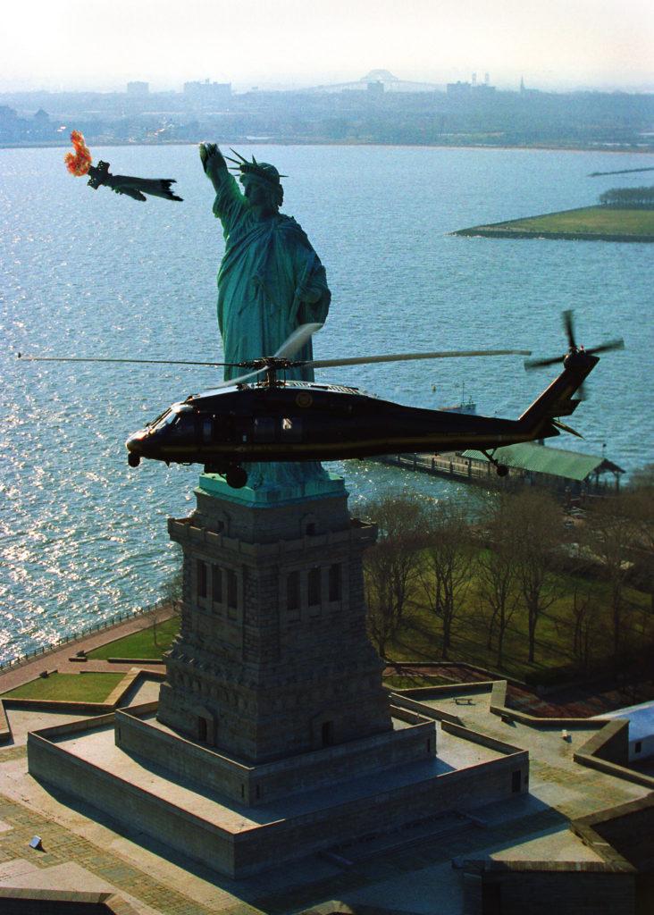 Die Freiheit, die die USA der Welt versprochen hat, ist schon lange nur noch eine kaputte Karikatur ihrer selbst. By JusticeNow!, licensed under CC BY-SA 4.0.