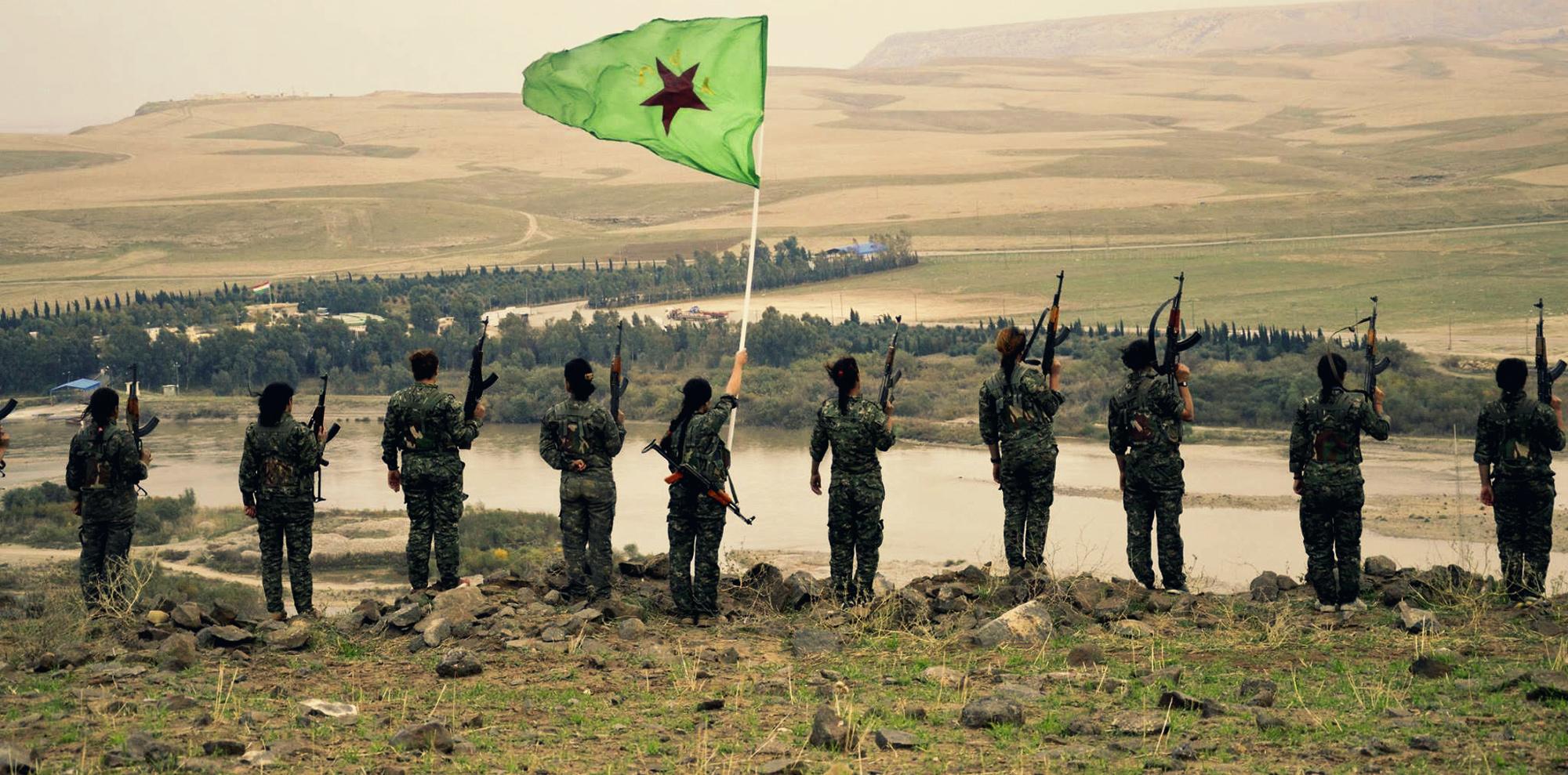 """Russland spielt """"guter Bulle, böser Bulle"""" mit den syrischen Kurden <br>  <span id='sec-title'>Eine geschickte Strategie, die Kurden ins russische Lager herüberzuziehen.</span>"""
