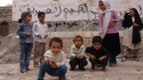 Saudi-Emirate-Koalition tötet 29 Kinder durch Luftangriff auf Schulbus im Jemen